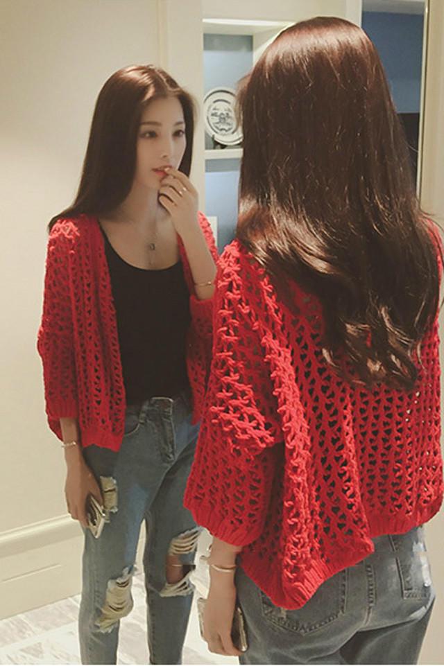 第11款:韩版大红镂空钩花宽松休闲短款粗毛线七分袖开衫