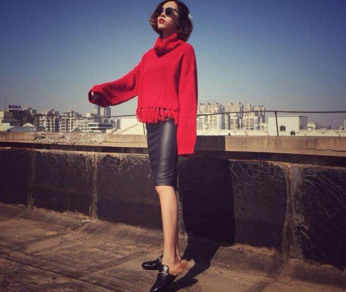 第12款:秋冬正红宽松显瘦大翻领高领流苏毛衣