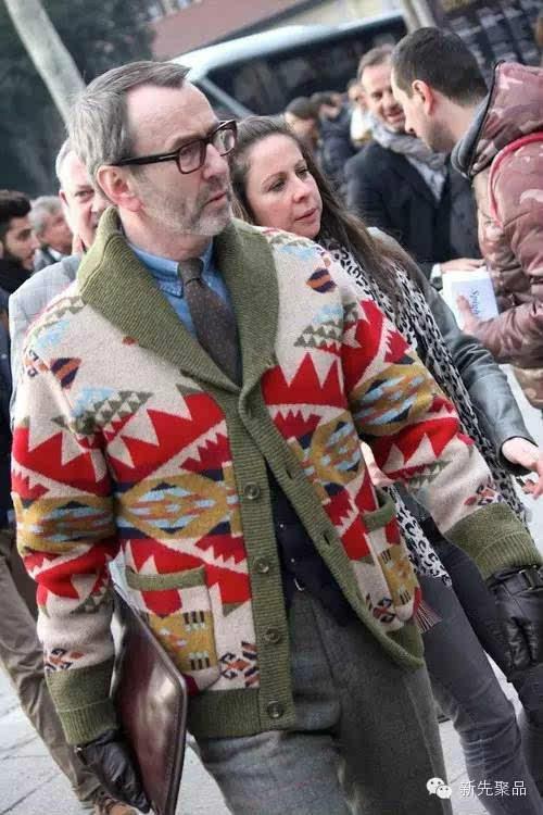 深V大领开襟毛衣外穿款之北欧风男士毛衣