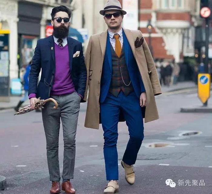 显成熟的棒针V领毛衣,最不费脑的搭配便是领带+衬衫+V领毛衣+西装外套,最外面再披一件长款大衣。