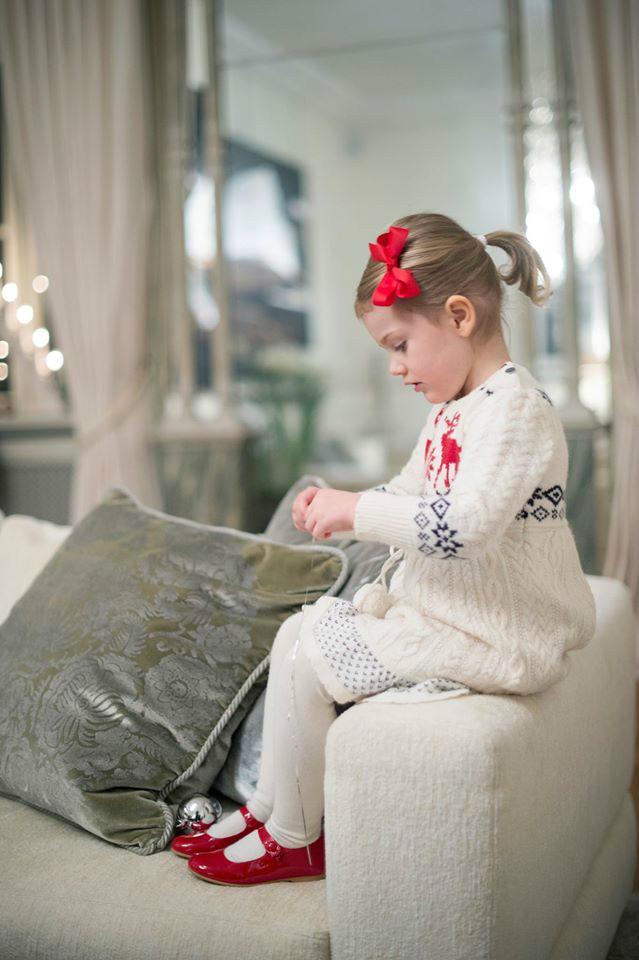 瑞典埃斯特拉公主圣诞麋鹿图案麻花毛线连衣裙
