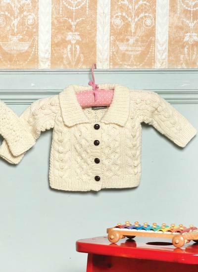 婴幼儿棒针翻领小开襟阿兰毛衣