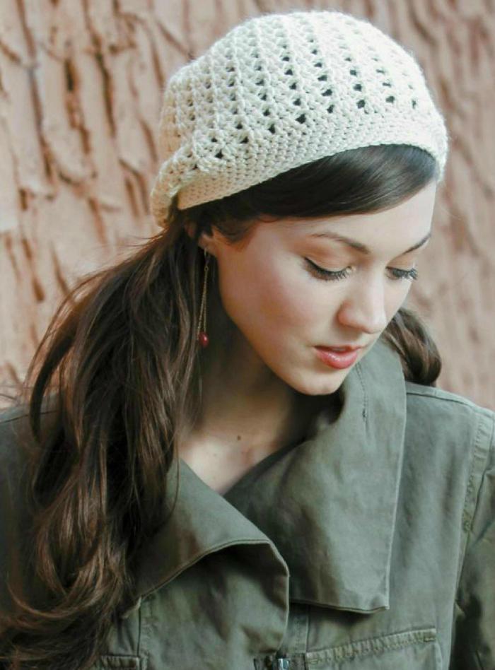 冬日美丽帽子织起来