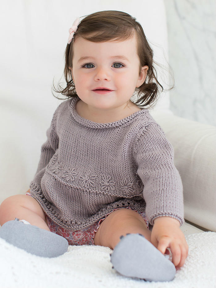 Ava宝宝棒针卷边领绣花套头毛衣