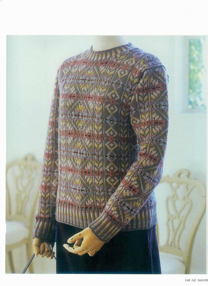 女士棒针驼色底全身提花圆领长袖毛衣