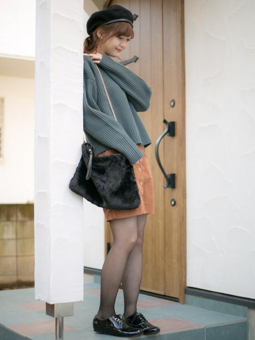 女士圆领毛衣