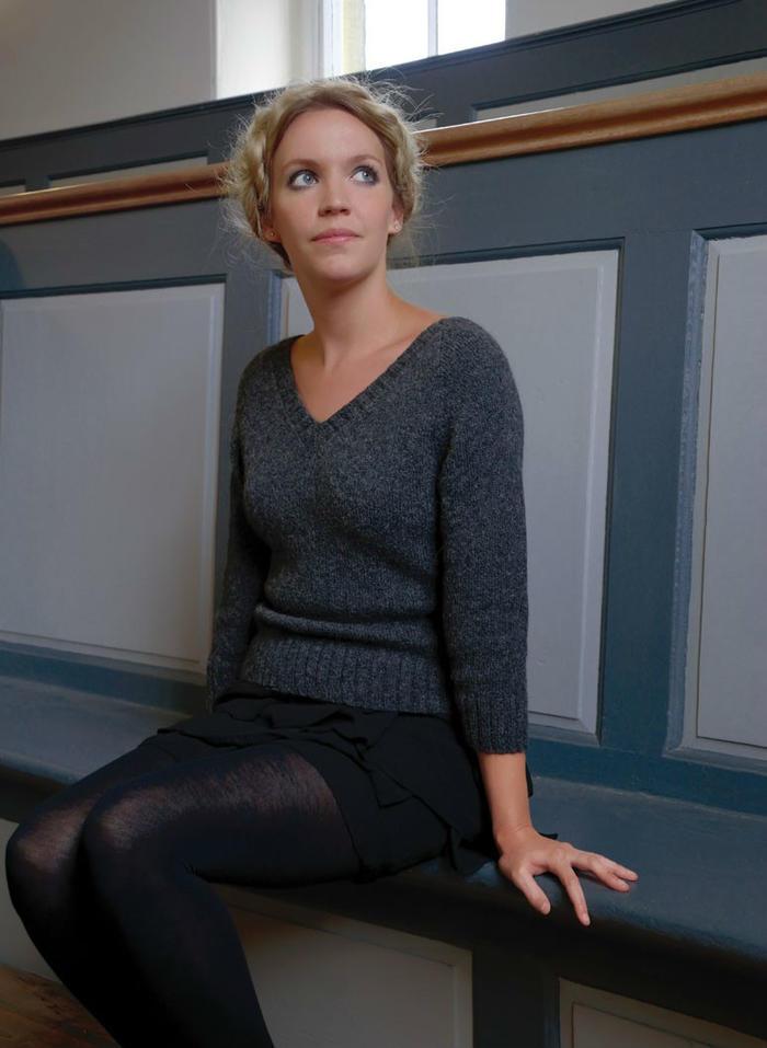 棒针女士V领毛衣