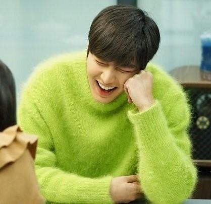 李敏镐绿色毛衣