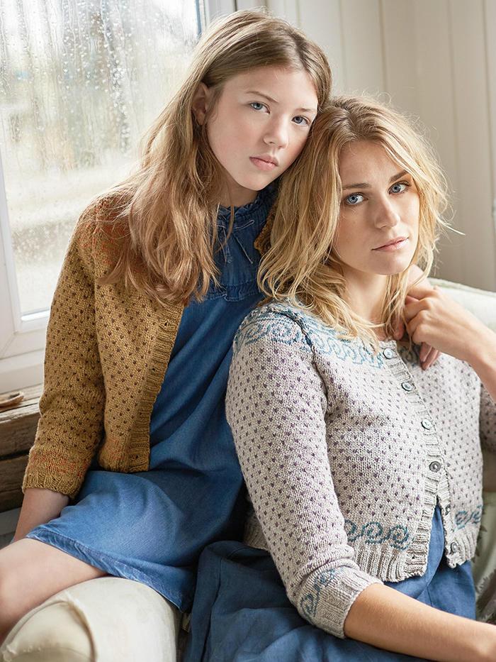 Periwinkle 棒针提花女款小圆领短开衫母女款毛衣