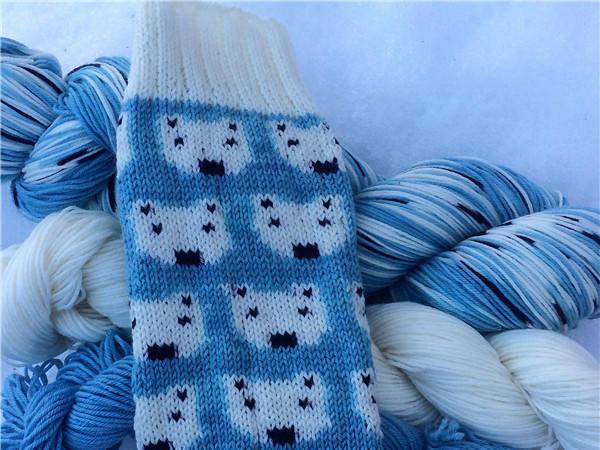 自染毛线编织袜子