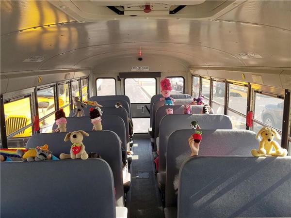 毛线编织公车玩偶