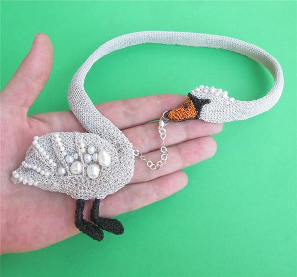 钩针编织天鹅项链