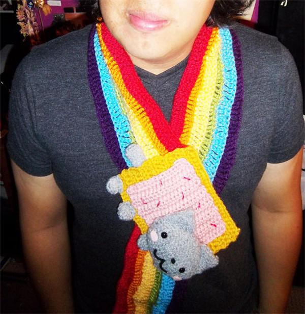 钩针小猫彩虹围巾