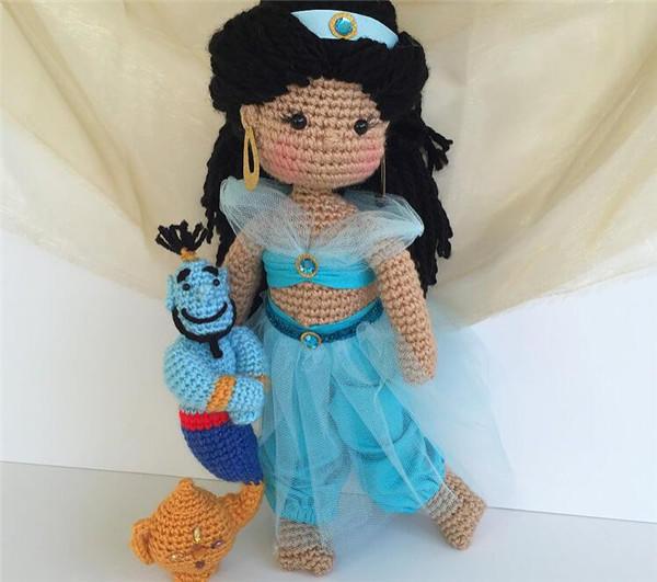 钩针编织迪士尼娃娃