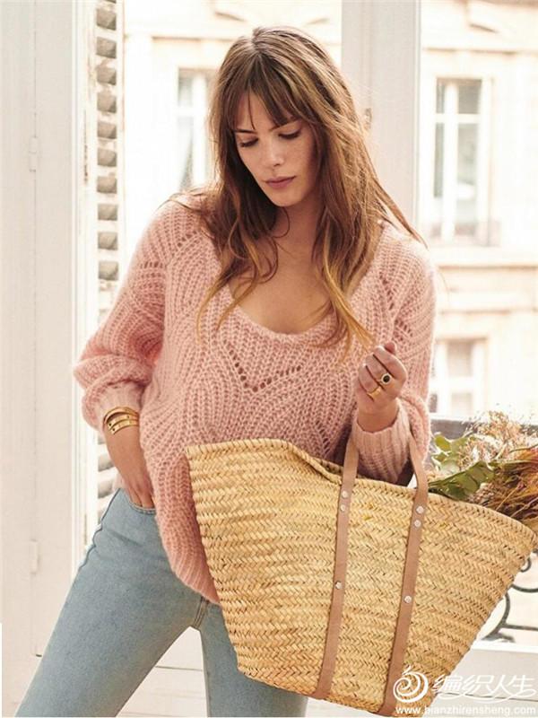 肉粉色宽松镂空花粗针织毛衣