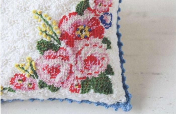 玫瑰绣花钩针抱枕