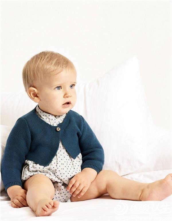 婴儿棒针披肩式小开衫