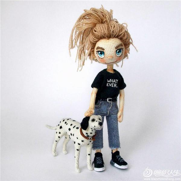 溜狗的女孩钩针娃娃