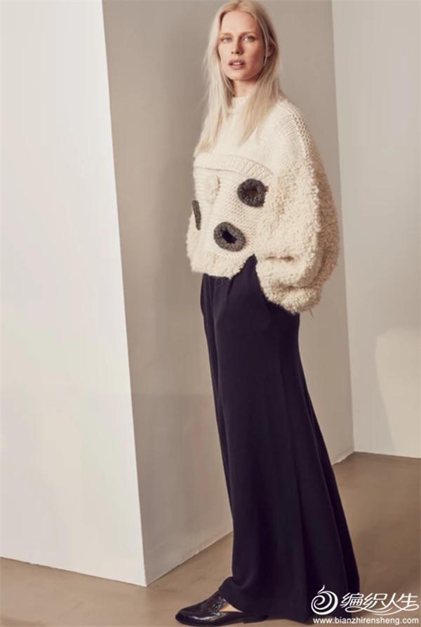 女士棒针白色粗针织羊毛衫