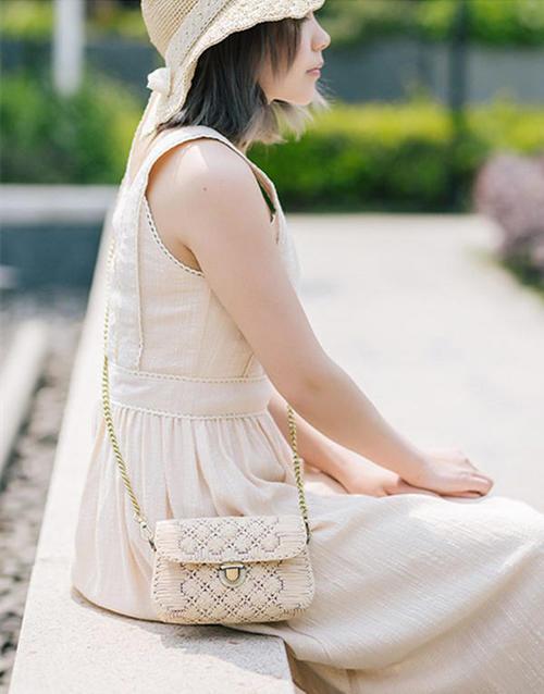 女士春夏棉草包