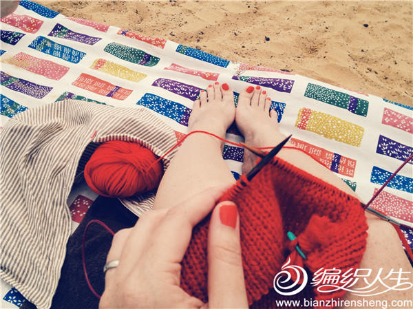 沙滩织毛衣
