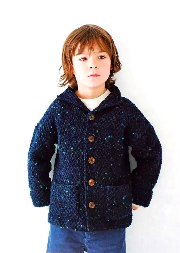 男孩翻领开衫毛衣