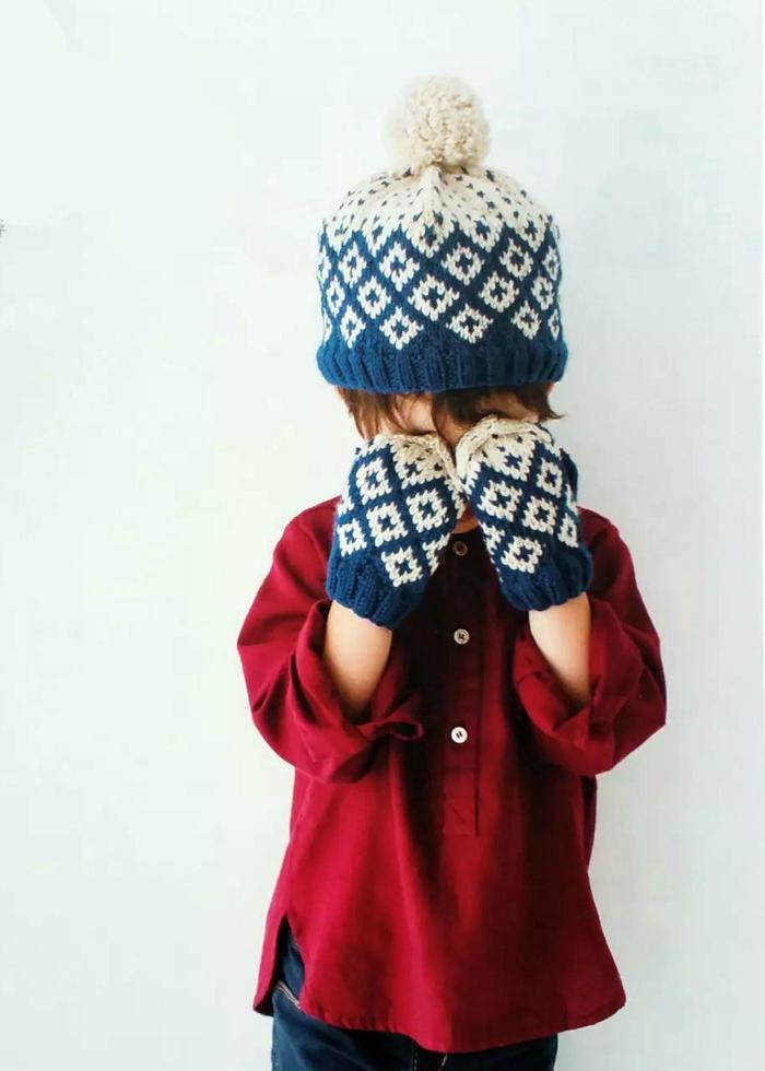 儿童棒针提花手套与帽子