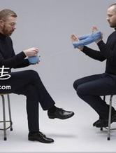 艺术家将奢侈品牌毛衣 拆成毛球诠释时尚