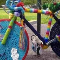 毛线炸弹 针织涂鸦街头艺术风靡全球