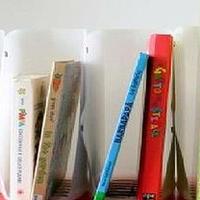 酸奶塑料桶手工DIY改造成漂亮书架
