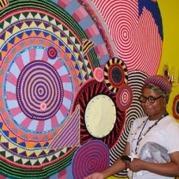 美国艺术家Xenobia Bailey与她的钩针曼荼罗