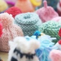 """""""织""""爱公益阳光开启!捐赠编织小帽,传递爱心正能量!"""