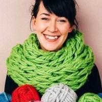看高手怎么织围巾 仅靠手臂30分钟完成靓丽的围巾!