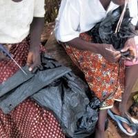 废物利用 塑料袋编织再生手提包