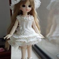 手工钩编Doll-Love娃娃的蕾丝裙与帽