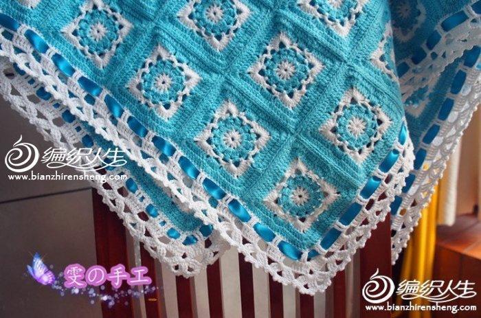 蓝白色钩编宝宝毯