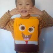 钩针编织空心尼龙线海绵宝宝背包 儿童趣味书包