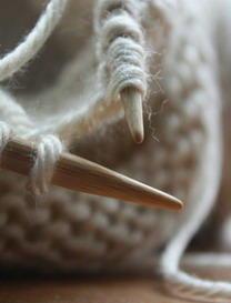 编织围巾时防止两边不直的方法