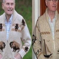母亲手织毛衣55年后仍贴身保暖