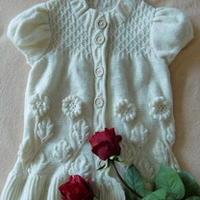 白玉浮雕葵花棒针编织中童毛衣