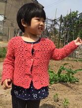 4岁女童钩针拼花长袖开衫