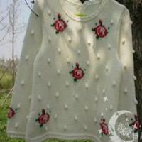 甜美玫瑰绣花宝宝棒针编织毛衣