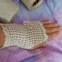 蕾丝钩针编织装饰手套