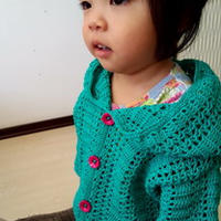 两岁女童钩针编织连帽开衫