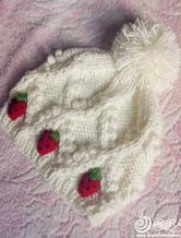 奶油草莓毛球绞花棒针毛线帽