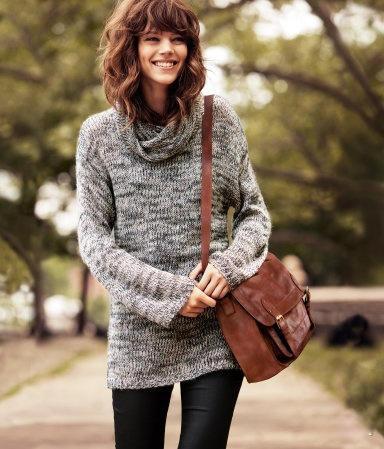 灰色夹花高领毛衣
