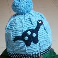 男童钩针编织恐龙绒球帽