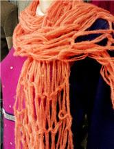 手织围巾 用手指做工具编织围巾