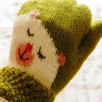 先片织再圈织可爱小熊五指手套