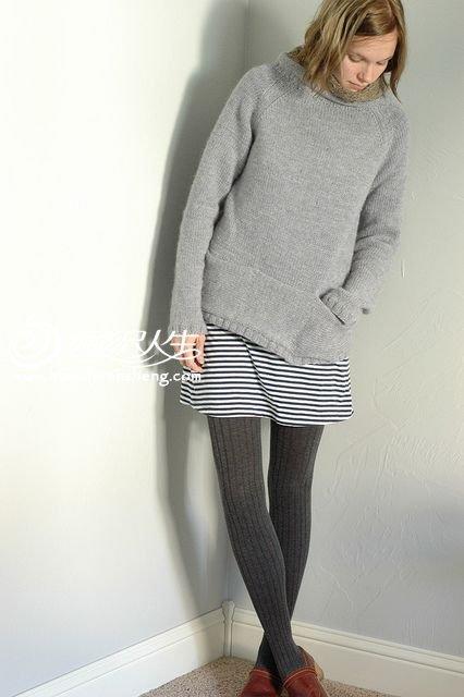 棒针简约时尚灰套头口袋毛衣
